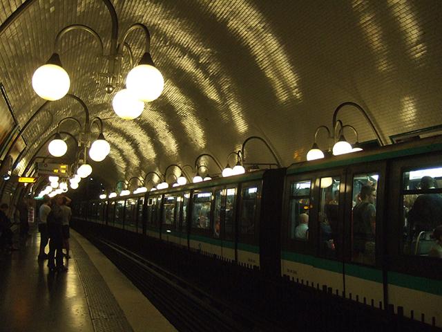 Nightlife Paris Subway | thatwasthenthisiswow.com